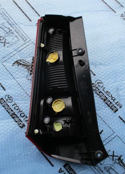 AZワゴンR MH23S右テールランプ運転席テールレンズ美品テールライトTOKAIDENSO 35603-70K0テールユニットMJ23S純正35650-70K00_画像2