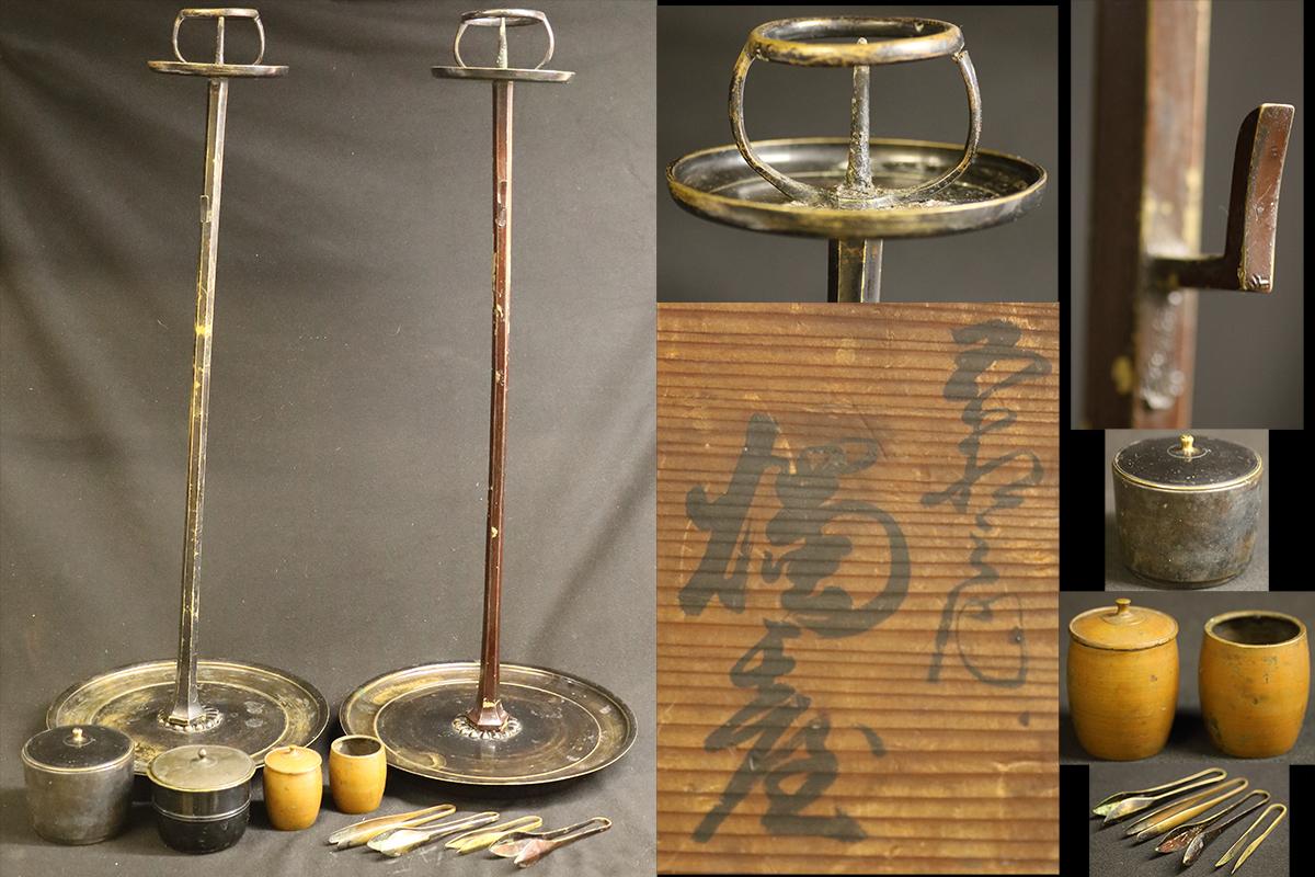 【黒檀堂】時代古玩 真鍮製 大型燭台一対 木箱付 高さ74cm 古美術品 寺院仏具 仏教美術/018_画像1