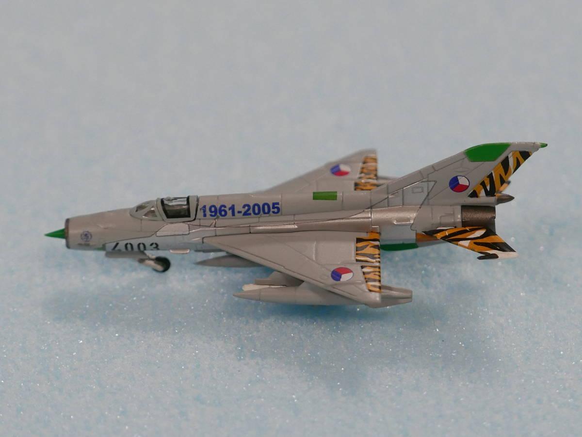 1/200 herpa チェコ空軍 MIG―21MF 4003 554930_画像1
