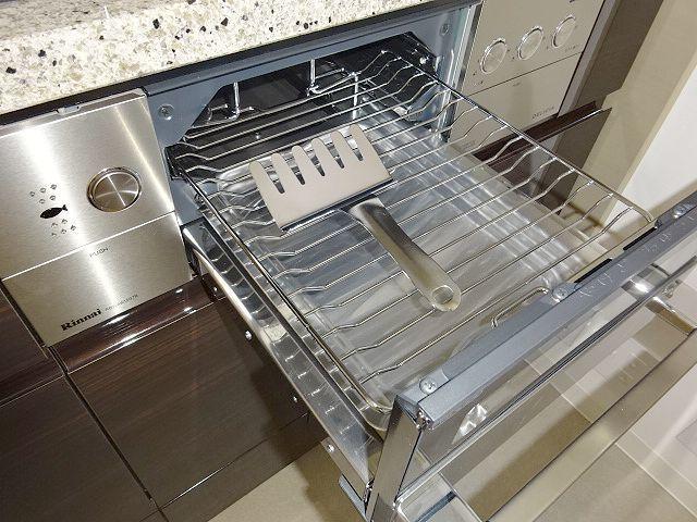 高級タイプ人工大理石 タカラスタンダード システムキッチン モデルルーム展示品 ガスコンロ 食洗機 換気扇 フルセット♪ 超美品_画像3