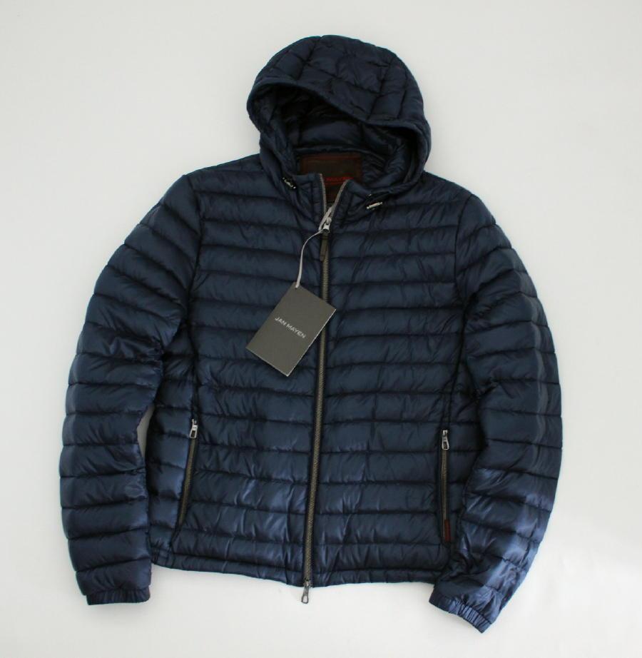 【JAN MAYEN Yan Mayen】奢華感極佳的保暖性極佳的光澤連帽夾克,穿著時尚48的成人光澤 編號:q247729580