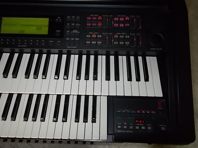 エレクトーンEL-900m状態最高レベルに良好!1999年製サポートディスク再生して弾けば簡単にベテランのプレーヤーみたいに!全国発送!_上下鍵盤も綺麗ですよ。
