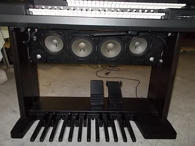 エレクトーンEL-900m状態最高レベルに良好!1999年製サポートディスク再生して弾けば簡単にベテランのプレーヤーみたいに!全国発送!_スピーカーも状態良好です。