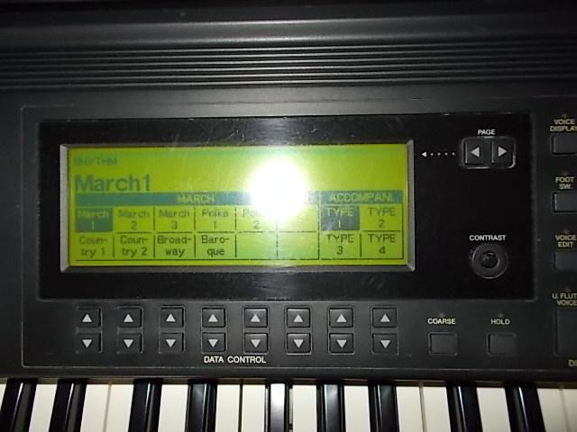 エレクトーンEL-900m状態最高レベルに良好!1999年製サポートディスク再生して弾けば簡単にベテランのプレーヤーみたいに!全国発送!_液晶画面も状態良好です。