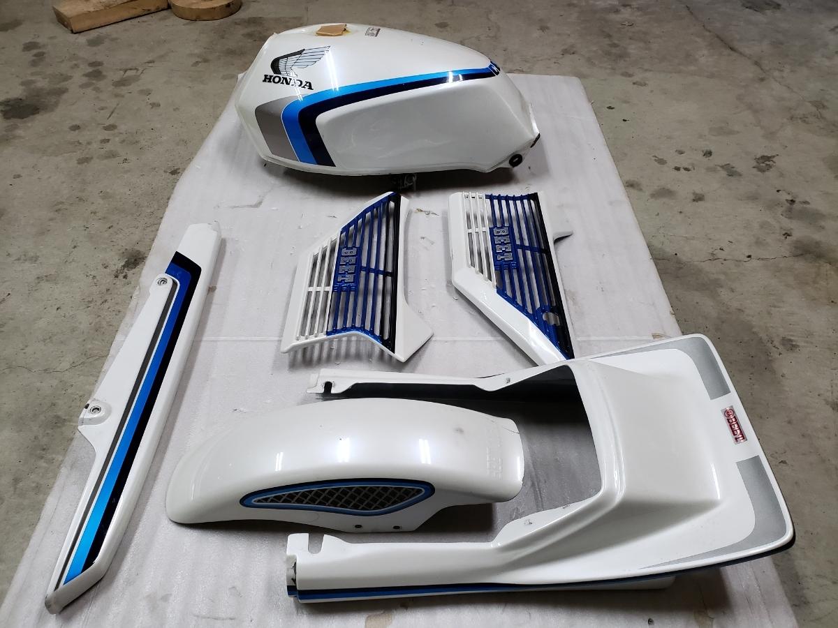 【美品】CBX 550カラー 外装一式(検 CBX400F CBX550F_画像4