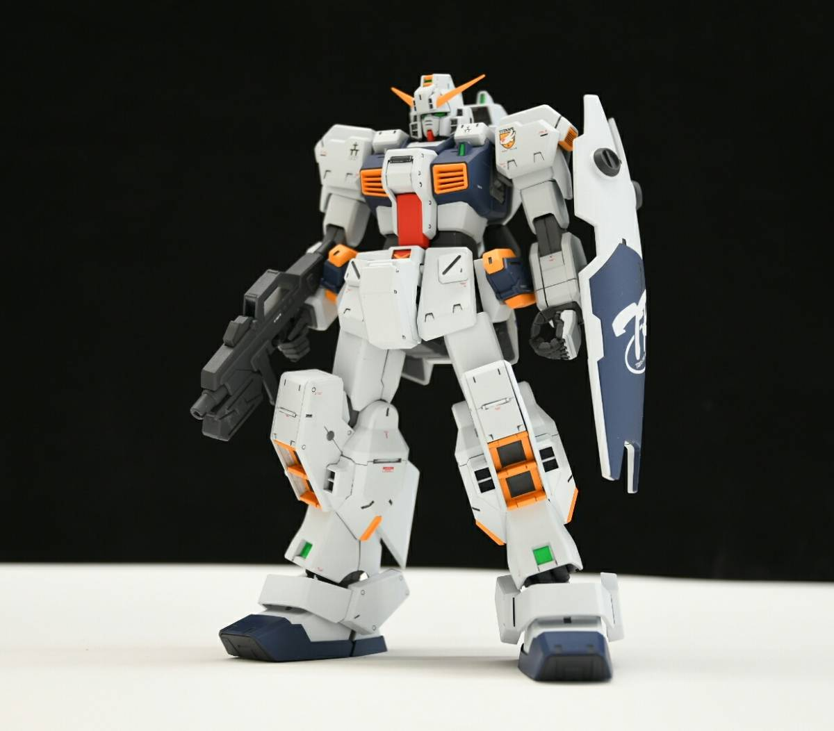 【塗装済み完成品】MG ヘイズル改
