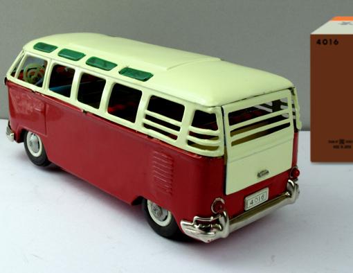 ●珍しい8の字走行電動ワーゲンマイクロバス運転手付バンダイ製ブリキ _画像2