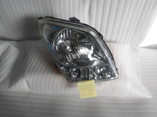 スズキ ワゴンR MH23S.右ヘッドライトH4 中古品(3103)_画像1