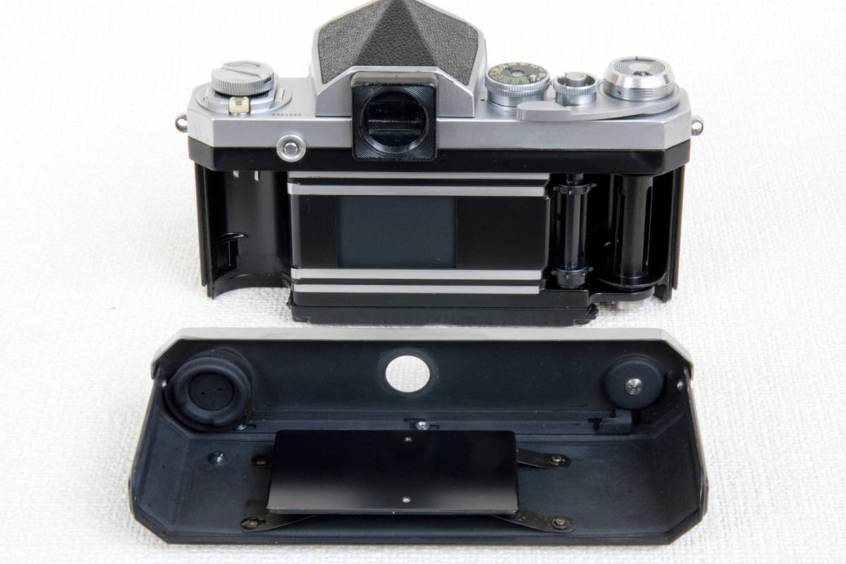 ニコンF アイレベル シルバー 696万番台 Nikkor-H 50mm F1:2.0 セミソフトケース付き 正常動作確認品_画像7