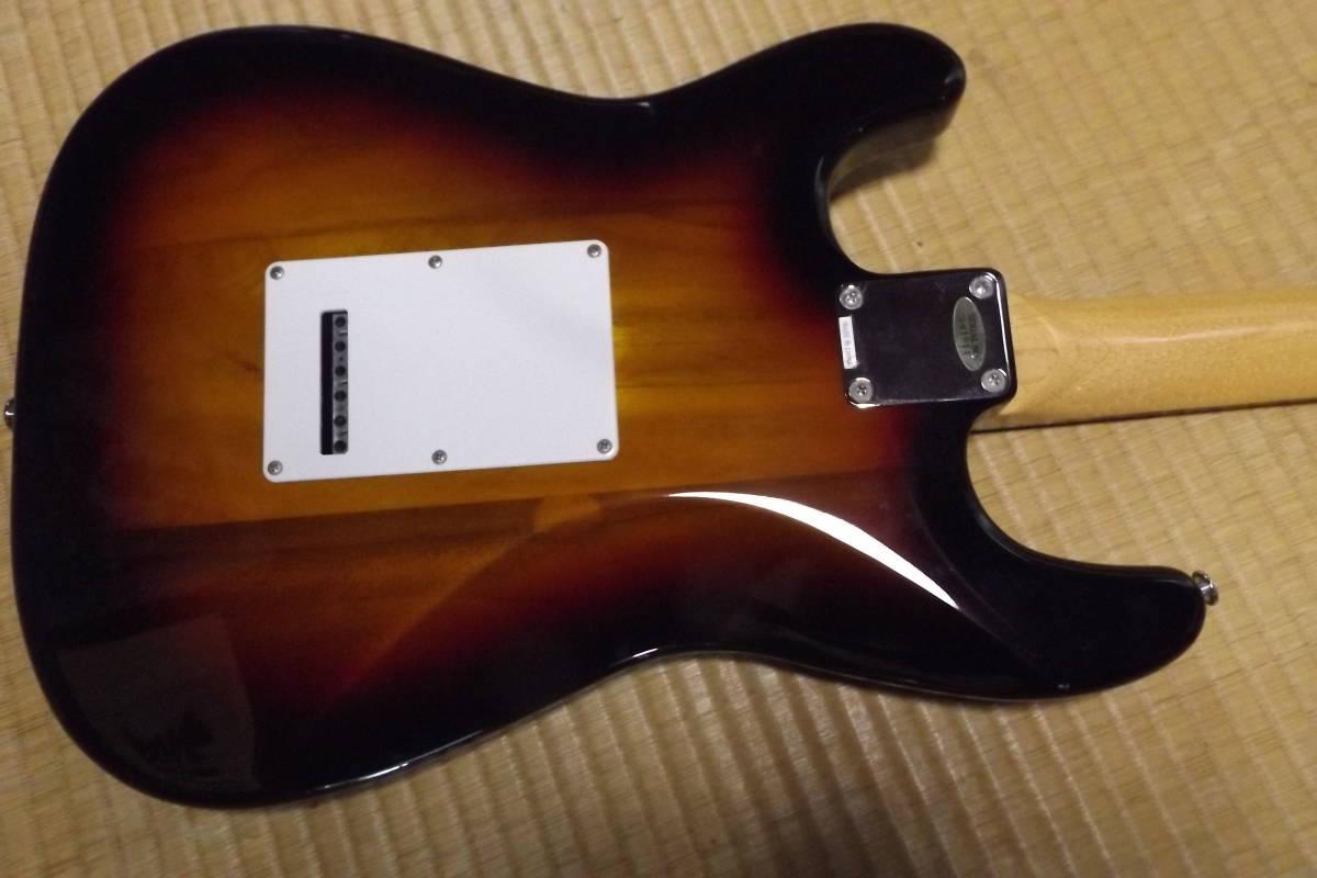 BUSKER'S バスカーズ エレキギター ストラトタイプ サンバースト 中古品_画像6