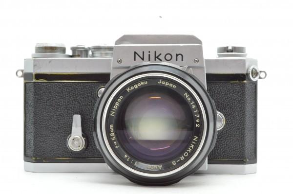 ◆ Nikon ニコン F アイレベル 650万台 + 非AI 5.8cm F1.4 + 10.5cm F2.5 フィルムカメラ 標準単焦点 中望遠単焦点 訳あり 送料無料_画像2