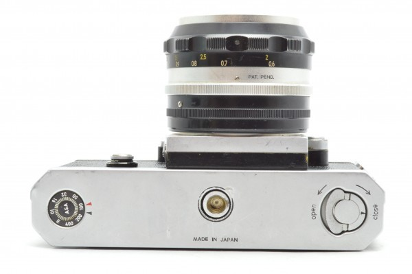 ◆ Nikon ニコン F アイレベル 650万台 + 非AI 5.8cm F1.4 + 10.5cm F2.5 フィルムカメラ 標準単焦点 中望遠単焦点 訳あり 送料無料_画像6