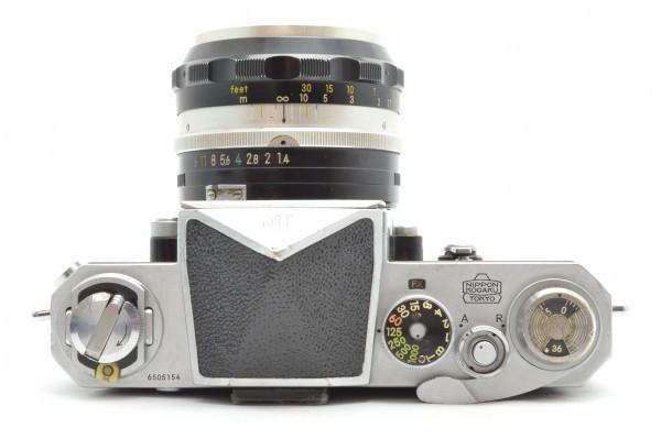 ◆ Nikon ニコン F アイレベル 650万台 + 非AI 5.8cm F1.4 + 10.5cm F2.5 フィルムカメラ 標準単焦点 中望遠単焦点 訳あり 送料無料_画像5