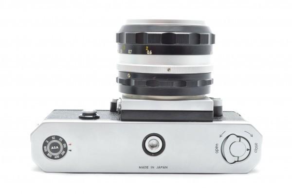 ◆ Nikon ニコン F アイレベル 726万台 + 非AI NIKKOR-S Auto 50mm F1.4 + 135mm F2.8 フィルムカメラ 標準単焦点 中望遠単焦点 送料無料_画像8
