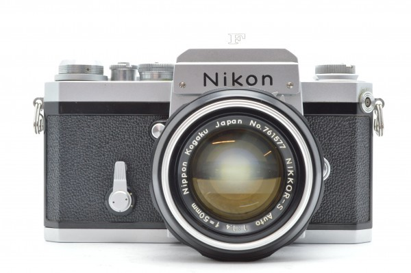 ◆ Nikon ニコン F アイレベル 726万台 + 非AI NIKKOR-S Auto 50mm F1.4 + 135mm F2.8 フィルムカメラ 標準単焦点 中望遠単焦点 送料無料_画像2
