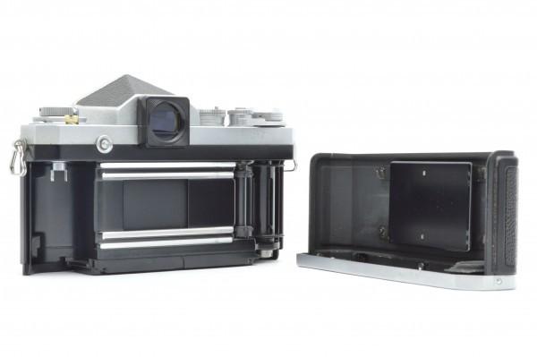 ◆ Nikon ニコン F アイレベル 726万台 + 非AI NIKKOR-S Auto 50mm F1.4 + 135mm F2.8 フィルムカメラ 標準単焦点 中望遠単焦点 送料無料_画像4