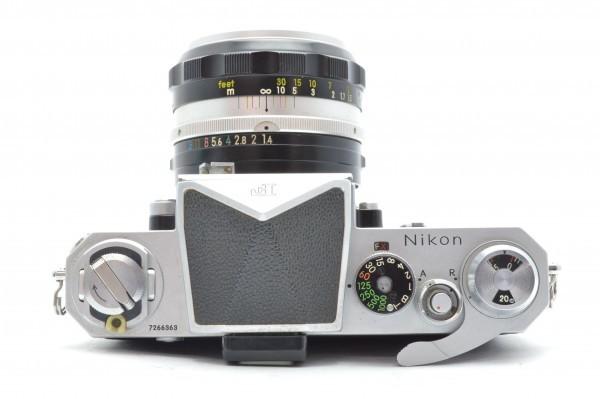 ◆ Nikon ニコン F アイレベル 726万台 + 非AI NIKKOR-S Auto 50mm F1.4 + 135mm F2.8 フィルムカメラ 標準単焦点 中望遠単焦点 送料無料_画像7