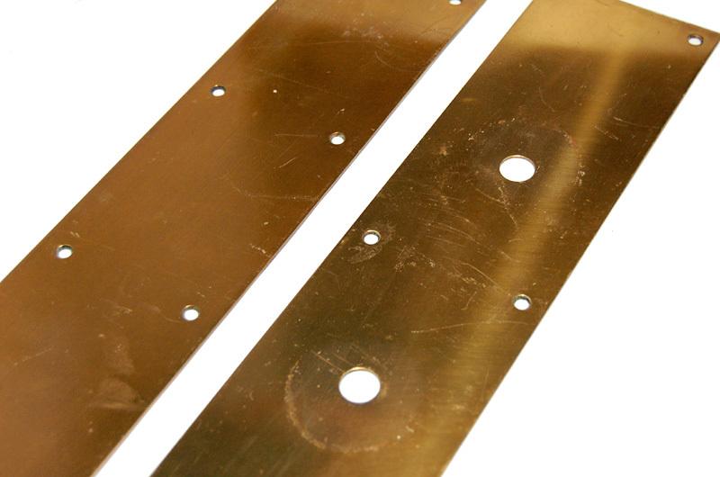 S1328 アンティークの真鍮ドアハンドル&プレートのセット 古い扉の取っ手 ブロンズ製? ショップ什器 スイングドア建具部品_画像8