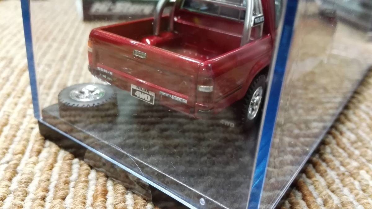 Hi -story  ハイストーリー インターアライド レジンモデル 1/43 TOYOTA HILUX 4WD PICK UP SSR -X グレー レッド2台セット_画像6