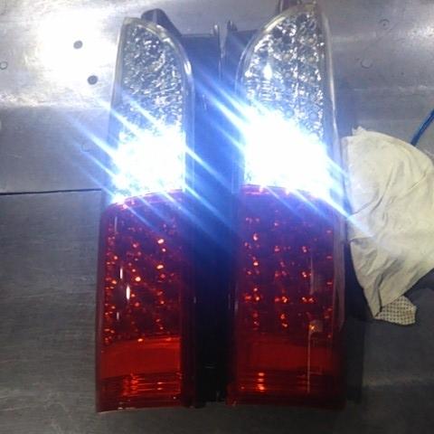 ハイエース200系 社外品 LED テールランプ 左右セット 点灯確認済み