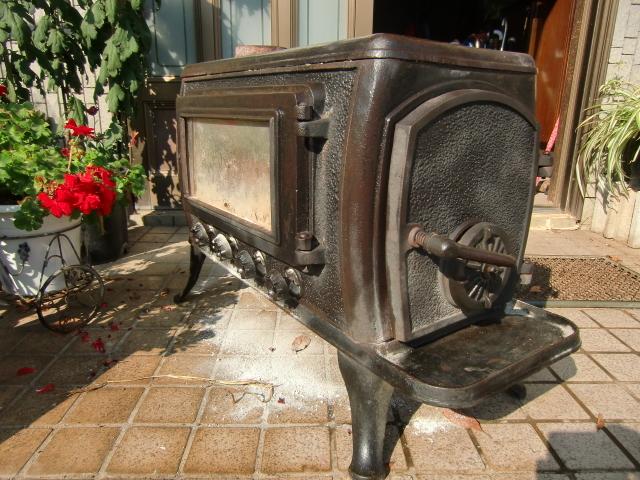 中古 ♪薪ストーブ♪ 今年春まで使用  鋳物 暖炉 煙突 エコライフ 自立型生活 再利用 循環型 自然派 環境 エコスタイル 炎