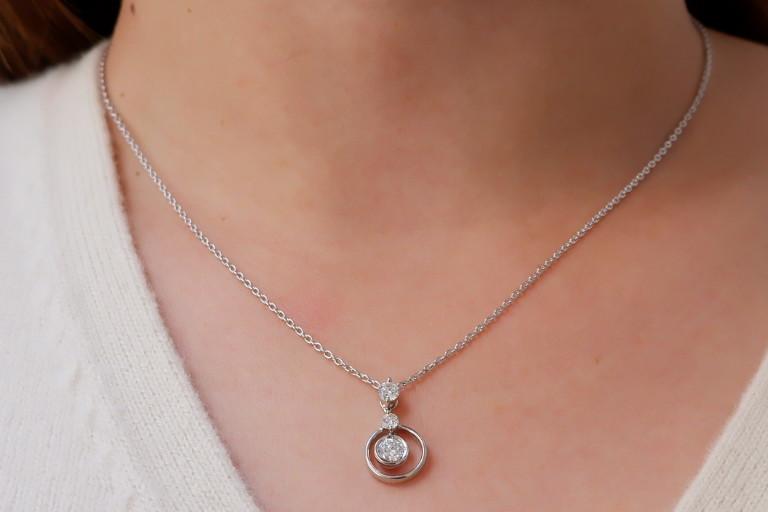 安心堂 フォーエバーマーク コラボ ダイヤモンド 計0.52ct ロンド ネックレス デビアス トリロジー_画像9