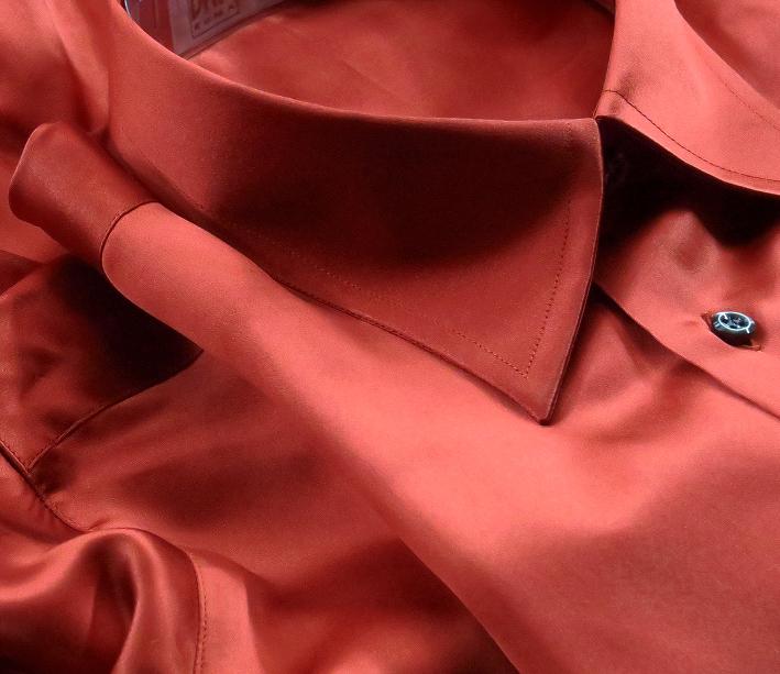 ★シルクシャツイタリアDANROMA SILK SATIN 贅の極みシルクサテンシャツ DANGEROUS!危険な香りレンガ色 M 40-91_画像1