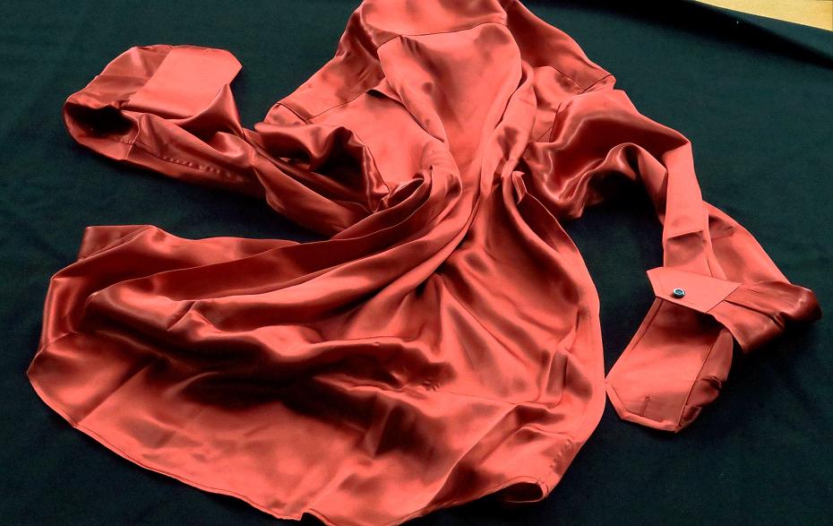 ★シルクシャツイタリアDANROMA SILK SATIN 贅の極みシルクサテンシャツ DANGEROUS!危険な香りレンガ色 M 40-91_画像10