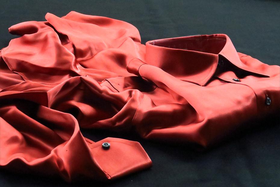 ★シルクシャツイタリアDANROMA SILK SATIN 贅の極みシルクサテンシャツ DANGEROUS!危険な香りレンガ色 M 40-91_画像5