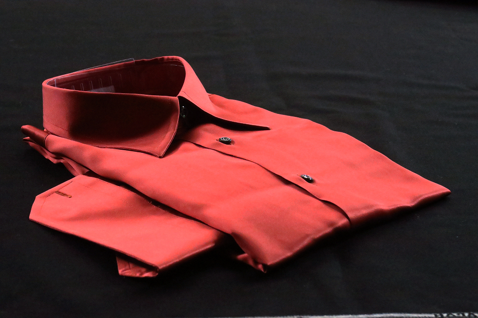 ★シルクシャツイタリアDANROMA SILK SATIN 贅の極みシルクサテンシャツ DANGEROUS!危険な香りレンガ色 M 40-91_画像3