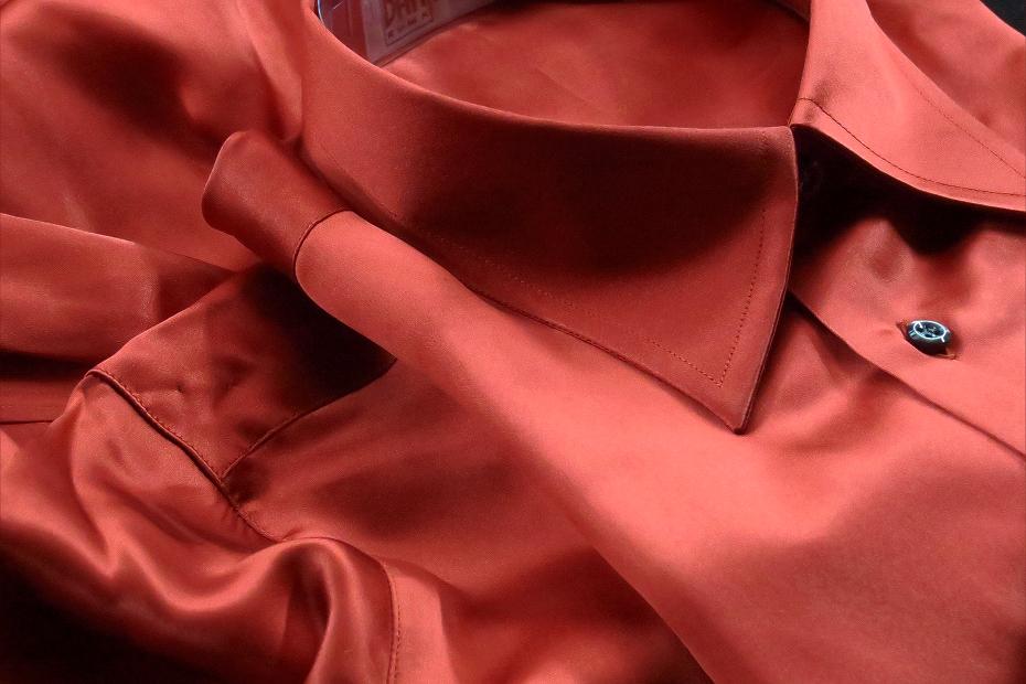 ★シルクシャツイタリアDANROMA SILK SATIN 贅の極みシルクサテンシャツ DANGEROUS!危険な香りレンガ色 M 40-91_画像6