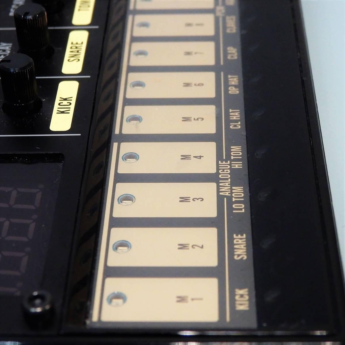 中古良品♪ 動作OK♪ KORG Volca Beats ② アナログリズムマシン コルグ ドラムマシン エレクトロ ヒップホップ シンセサイザー_画像7