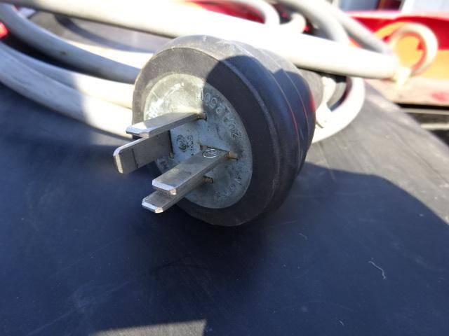 【引き取り限定】空き缶 プレス機 小型で強力 かばちゃん ユンボ_画像8