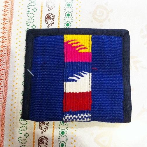 グアテマラ製手織り布ライン二つ折り財布BL青系 南米雑貨 旅行用にも♪ 軽い コンパクトサイズ アジアンエスニック _画像1