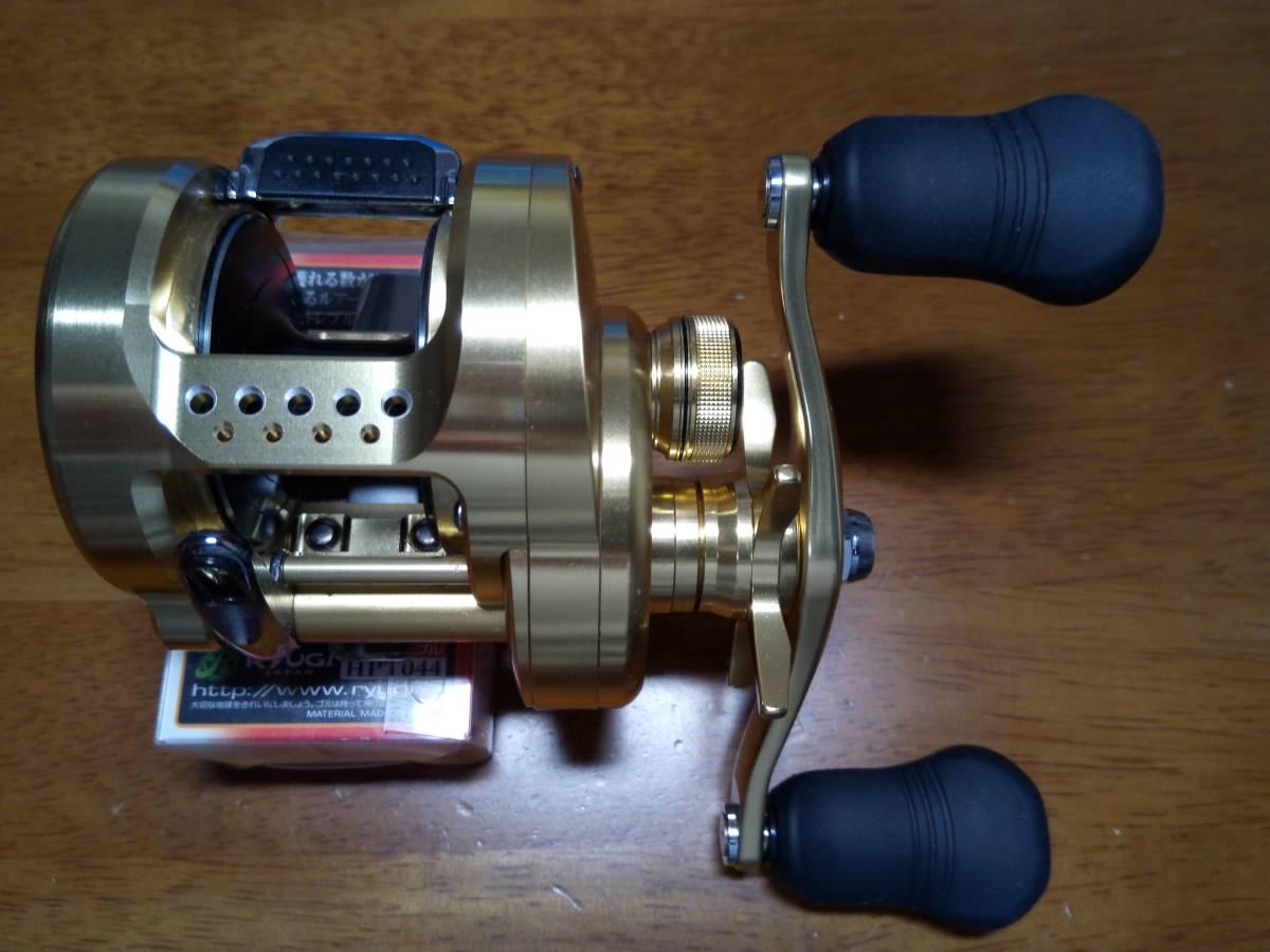 【新品未使用】 シマノ 18 カルカッタコンクエスト 301 左 アベイルパワーハンドルT4S 110mm 付き_画像2