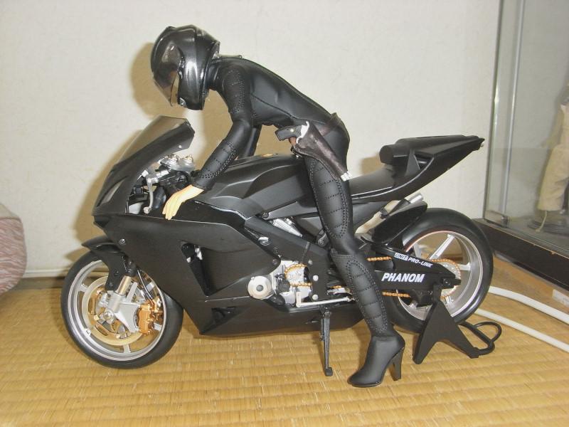 バイク及びライダーのセット フィギュア (1/6)_画像2