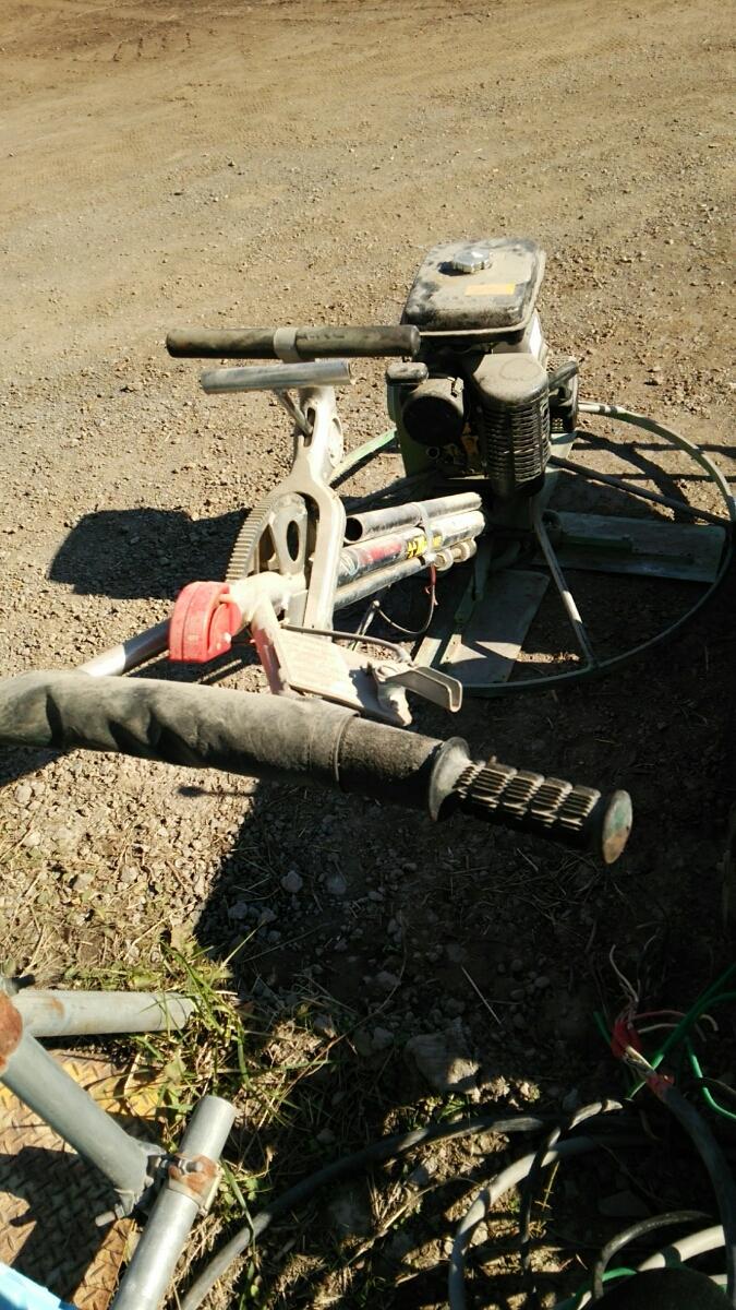 ホワイトマン パワートロウェル エンジン式土間ならし、建設機械_画像4