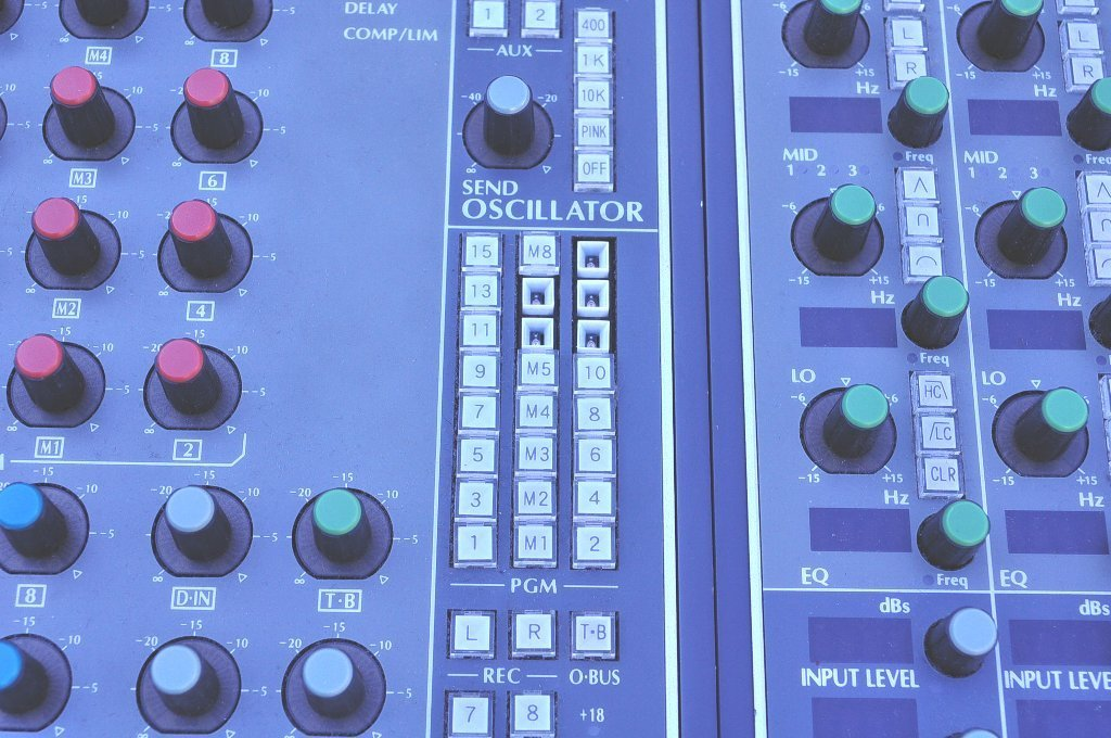T008 不二音響 スタジオ機材 ミキサー サウンドコントロールコンソール HYFAX EXP-HA EXP-MST EXP-LO EXP-REC モニター S1721付_画像2