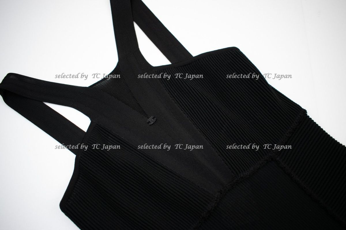 【CHANEL】新品紙タグ付き シャネル・ナオミワッツ着用 デザインの美しいブラック・ニット・ワンピース モデル着用 F36_画像5