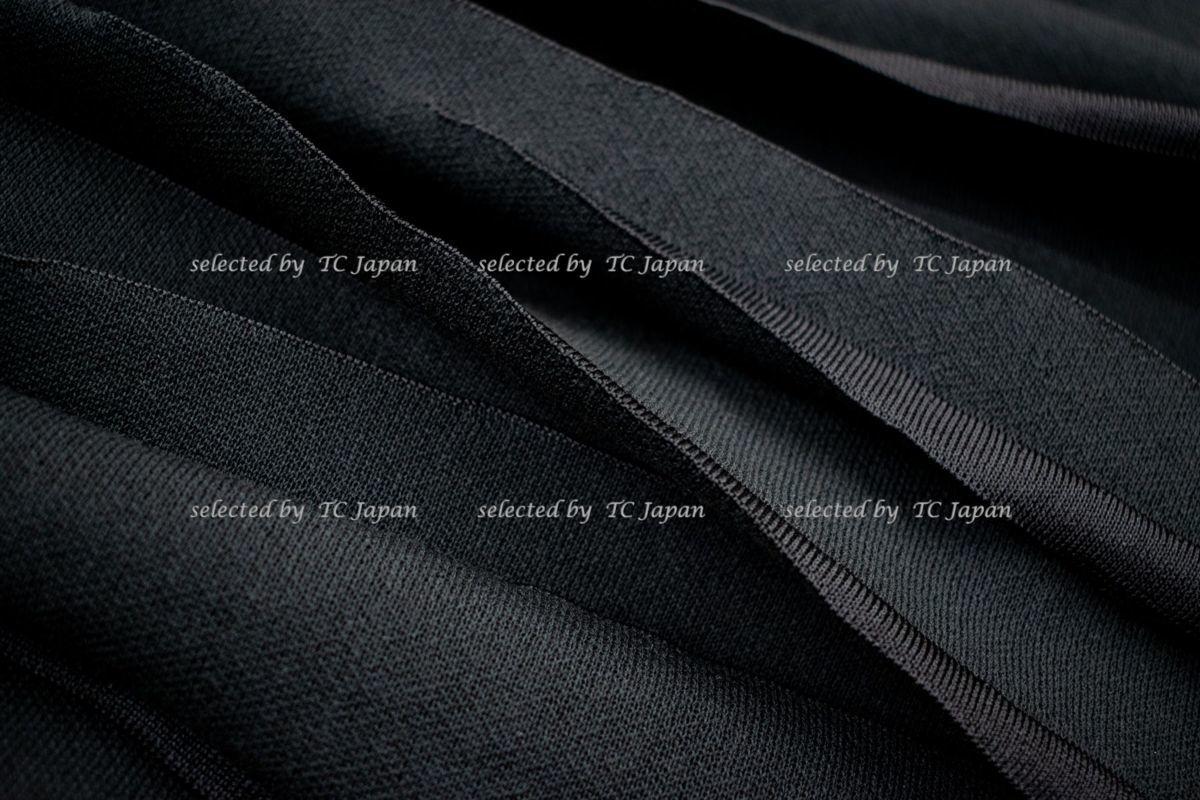 【CHANEL】新品紙タグ付き シャネル・ナオミワッツ着用 デザインの美しいブラック・ニット・ワンピース モデル着用 F36_画像8