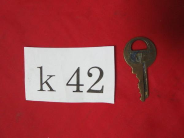 /K42●古い鍵 アンティークキー _画像1