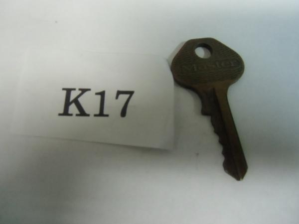 /K17●古い鍵 アンティークキー _画像1