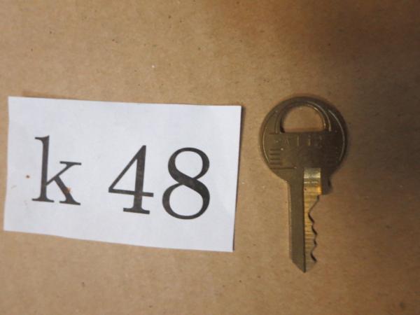 /K48●古い鍵 アンティークキー _画像1
