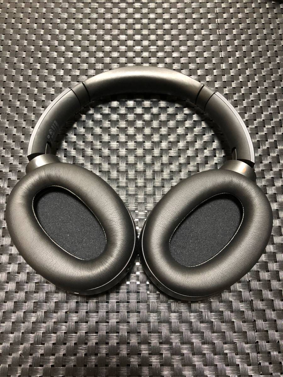 【美品】SONY WH-1000XM2 ワイヤレスノイズキャンセリングヘッドセット ブラック_画像4