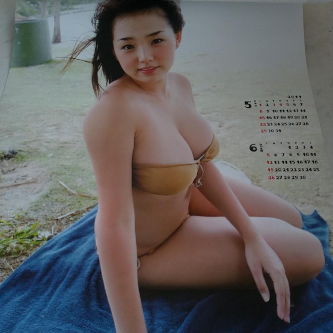 超レア!! のがしたらもう出ないよ。篠崎愛 2011 カレンダー _画像2