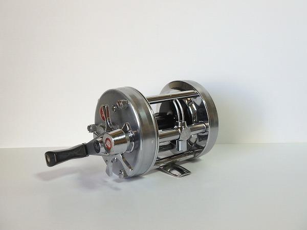 77 ABU アンバサダー 6500C シルバー オールド クラシック 山型 ゴシック刻印 定番人気モデル 雷魚 ライギョ シングルハンドル 良品中古_画像5