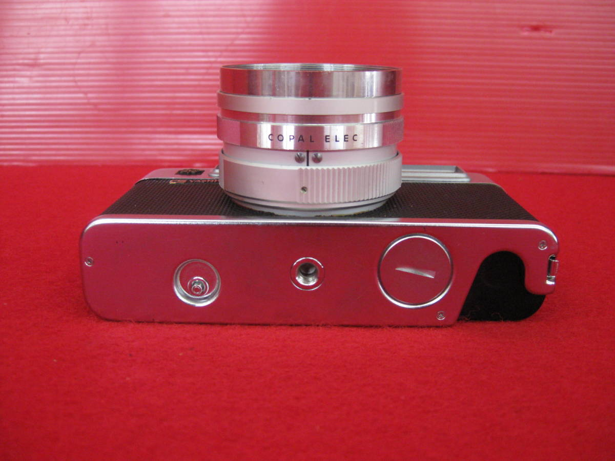 【ハッピー】YASHICA ヤシカ フィルムカメラ エレクトロ35 レトロ レンジファインダーカメラ ジャンク_画像4