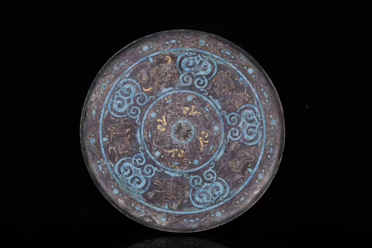 116★一龍堂★中国古美術★戦国時代銅胎塗金銀鏡★中国古董品 賞物 置物擺件 24.8*0.9