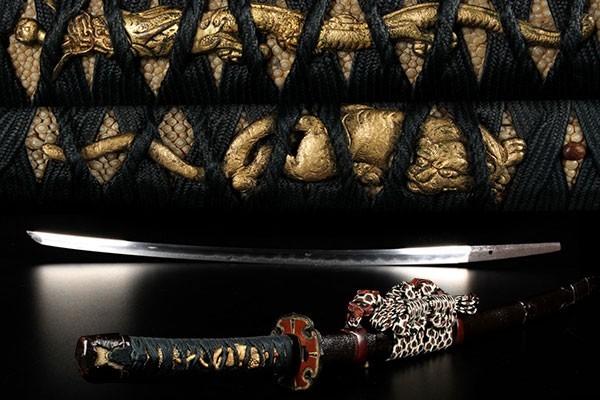 【喜】【最高級大珍品】うぶ品 時代物 大名登録 兼元 永正二年 総革包 鉄鍔 獅子龍金特大