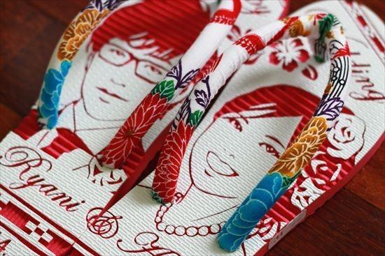沖縄で人気の結婚式ウェルカムボード用紅型似顔絵島ぞうりアート_画像6